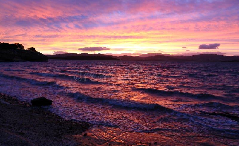 Starke Sonnenuntergangfarben lizenzfreies stockfoto