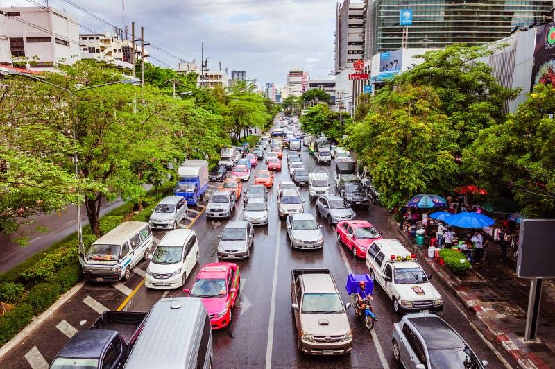 Starker Verkehr in Bangkok lizenzfreie stockbilder