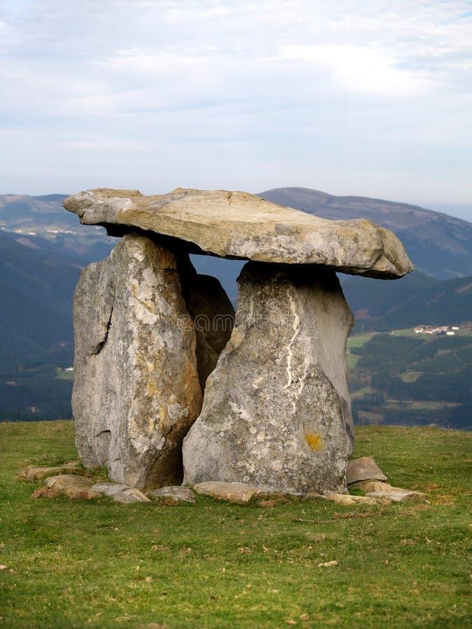 starożytny dolmen góry oiz obraz royalty free