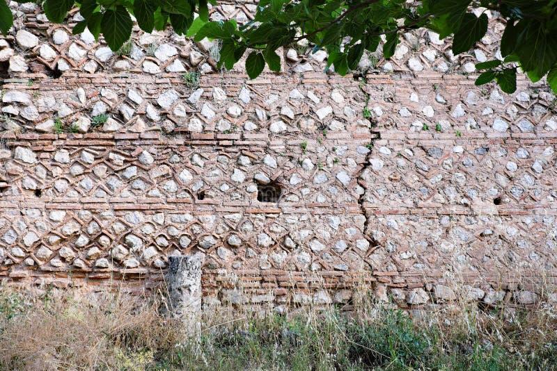 Starożytny Grek Kamiennej ściany ruiny, Delphi, Grecja fotografia royalty free