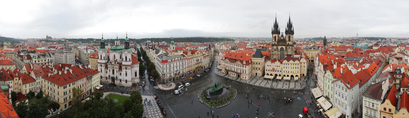 Staromestska Quadrat unter dem Regen stockfoto