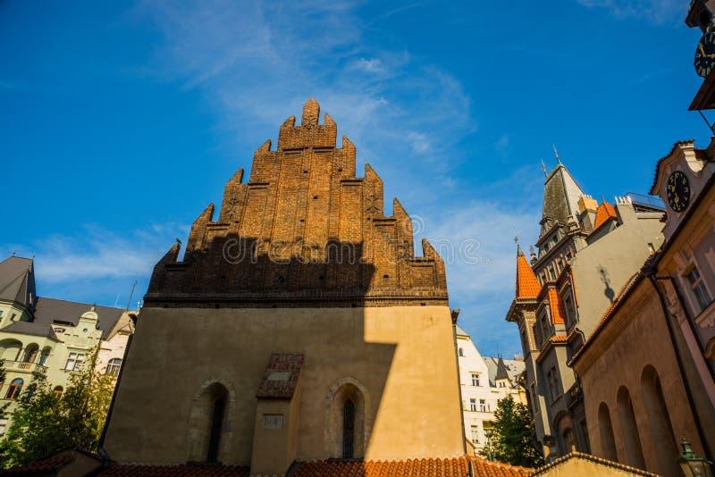 Staronova-synagoga Die alte neue Synagoge in Prag in der Tschechischen Republik Prags jüdisches Viertel lizenzfreie stockfotos
