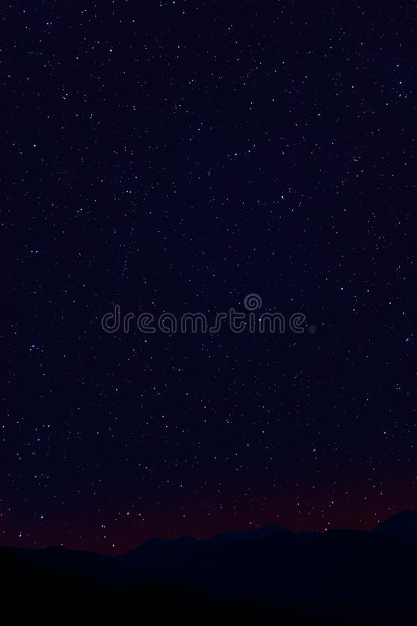 Stars montanhas da noite imagens de stock royalty free
