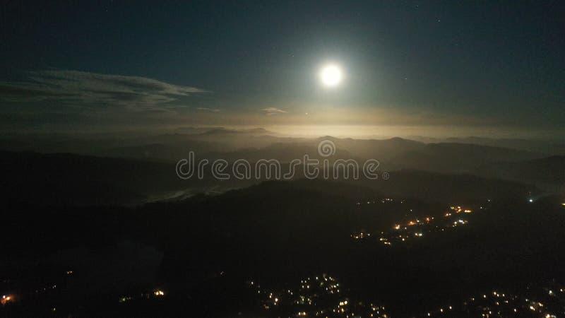 Stars Moonlit Kaskaden lizenzfreies stockfoto