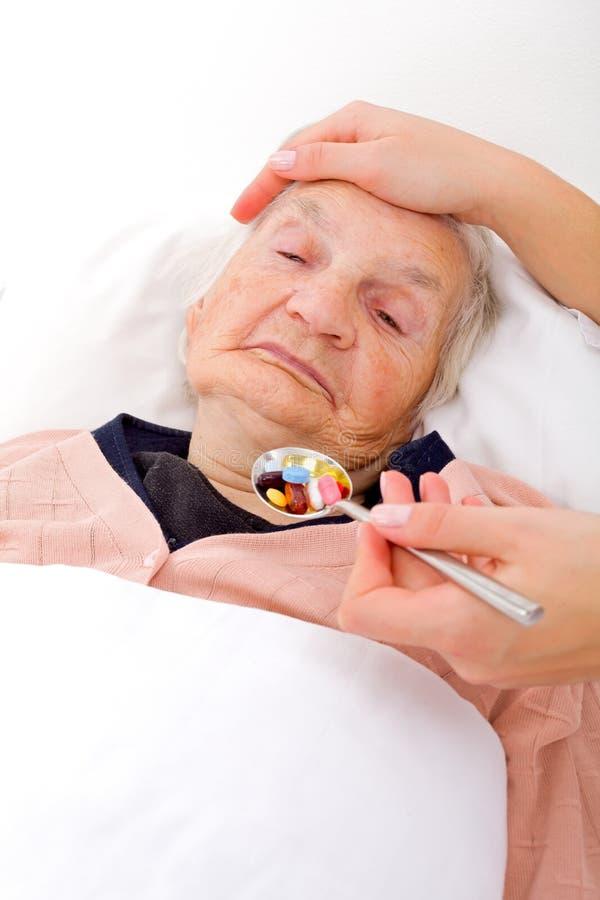 Starsza chora kobieta obraz stock