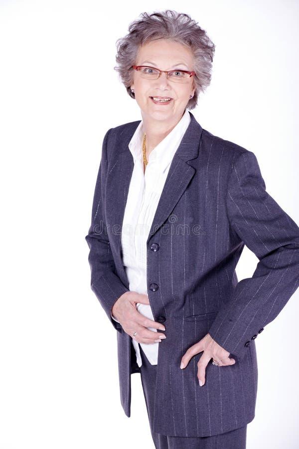 Starsza dama jest ubranym biznesowego strój obraz stock
