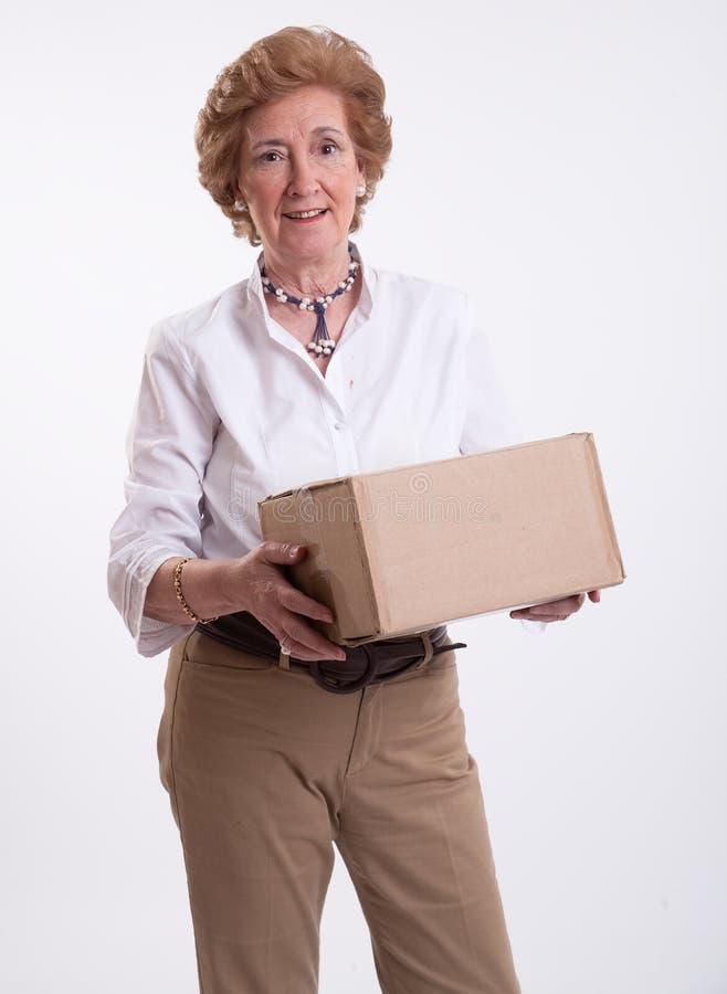 Starsza dama z pakuneczkiem obraz royalty free