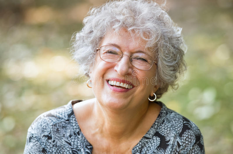 starsza kobieta się zdjęcia royalty free