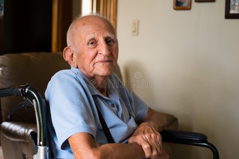 Starsza osoba mężczyzna obrazy royalty free