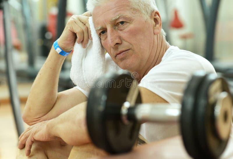 Starsza osoba męczący mężczyzna fotografia stock