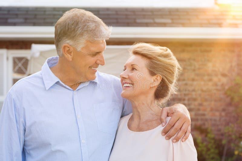 Starsza para w miłości zdjęcia stock