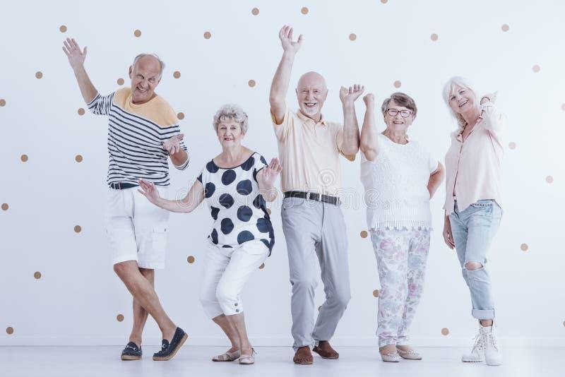 Starsze osoby ma zabawę zdjęcie royalty free