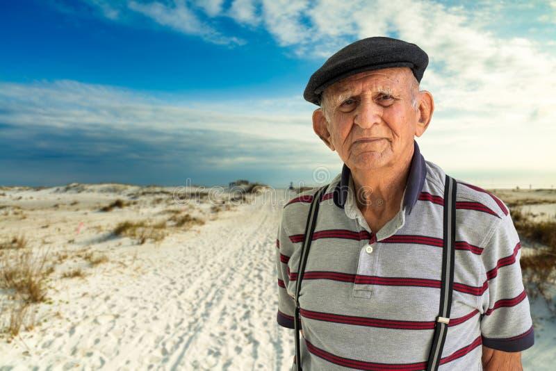 starsze osoby obsługują obsługiwać zdjęcie royalty free