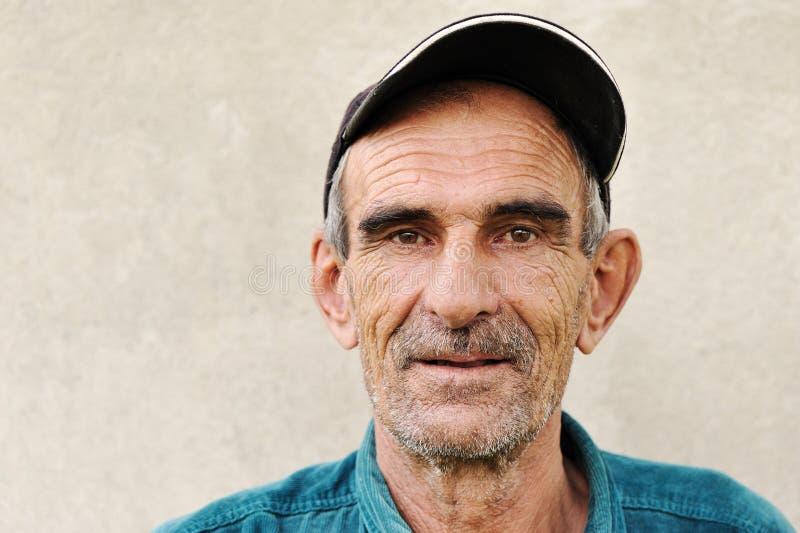 Starsze osoby, z kapeluszem stary dojrzały mężczyzna, zdjęcie stock