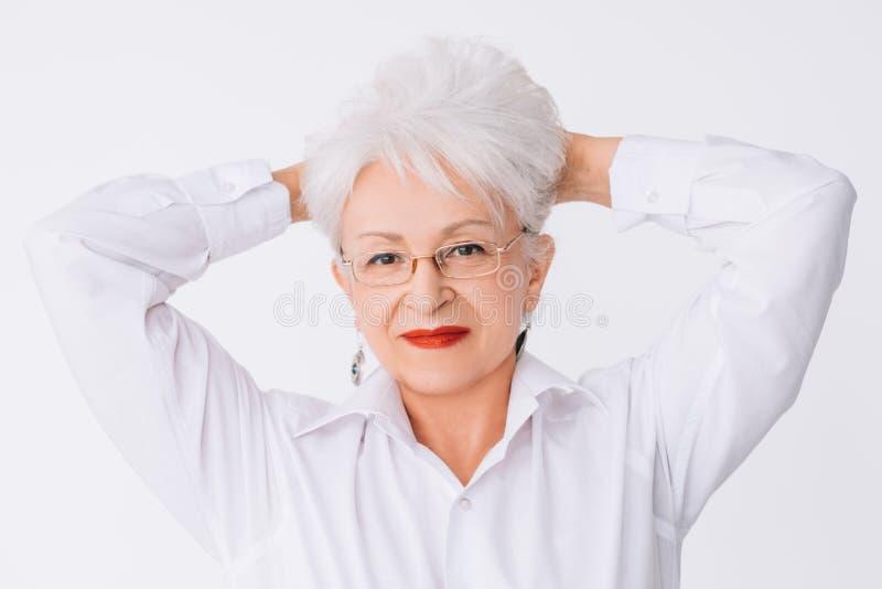 Starszego kobieta portreta naturalny piękno atrakcyjny obrazy stock