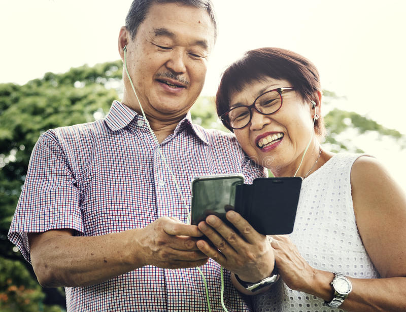 Starszego pary więzi stylu życia Przypadkowy pojęcie obrazy royalty free