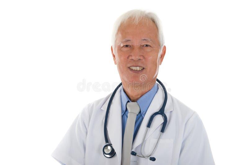 Starszy azjatykci medyczny oficer obraz royalty free