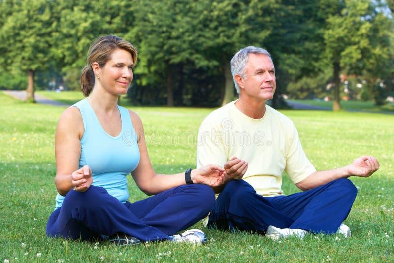 starszy joga zdjęcie stock