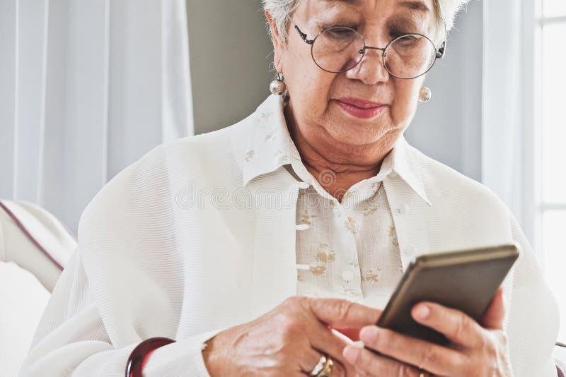 Starszy kobieta portret obrazy royalty free