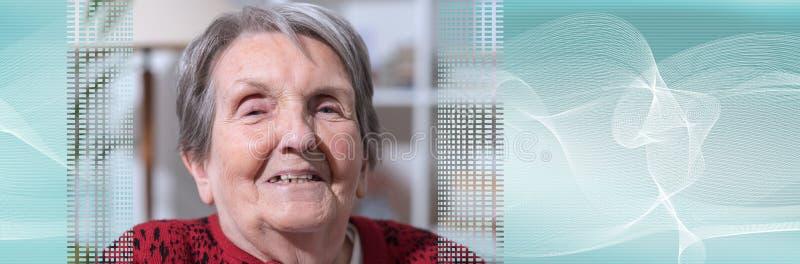 Starszy kobieta portret sztandar panoramiczny zdjęcie stock