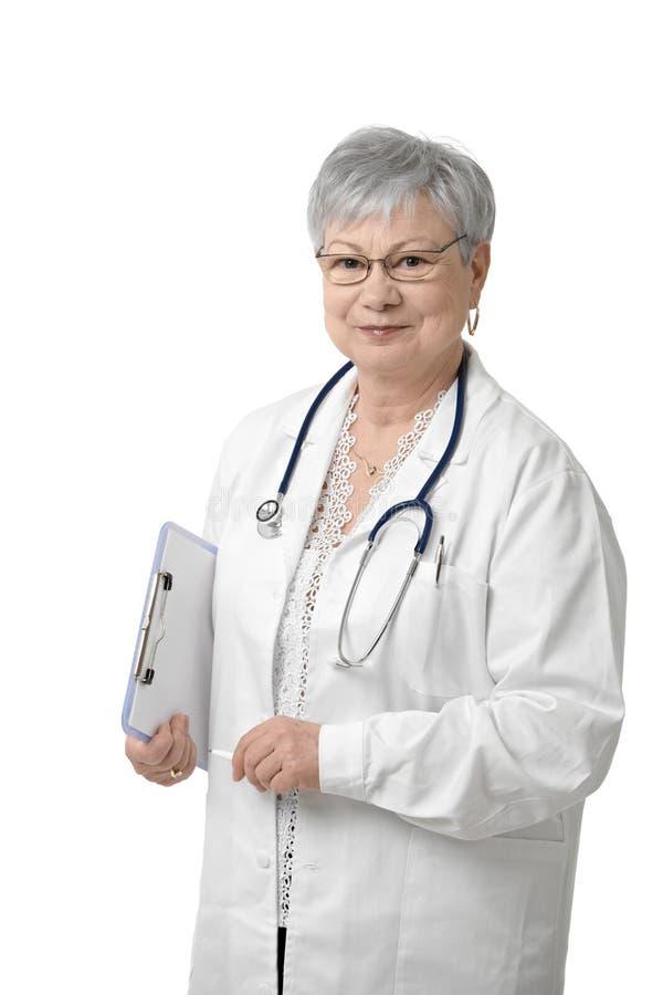 Starszy lekarz z stetoskopem zdjęcie stock