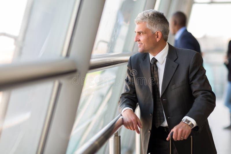 Starszy osoba w podróży służbowej fotografia royalty free