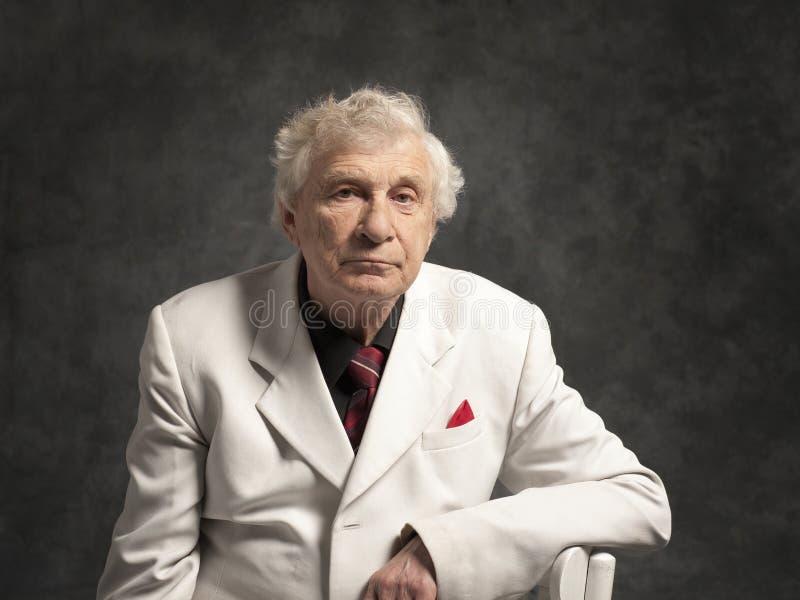 Starszy szczęśliwy mężczyzna zdjęcia royalty free