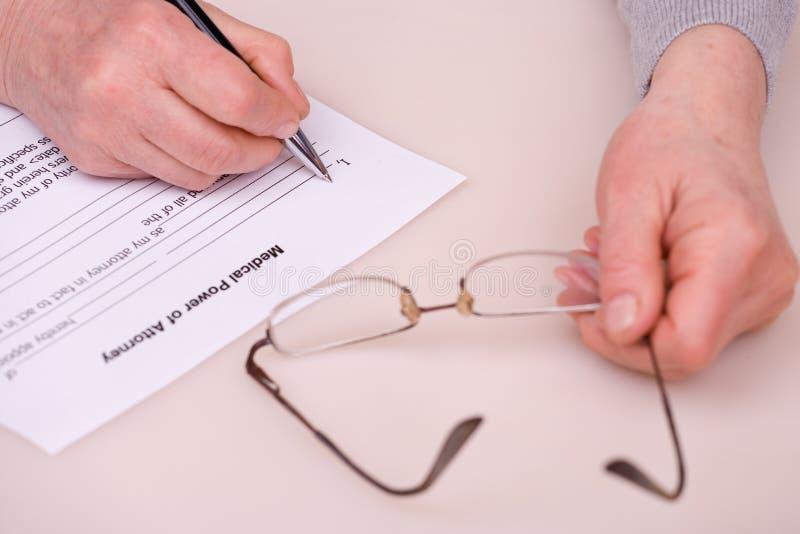 starszy testamentu kobiety writing obraz stock