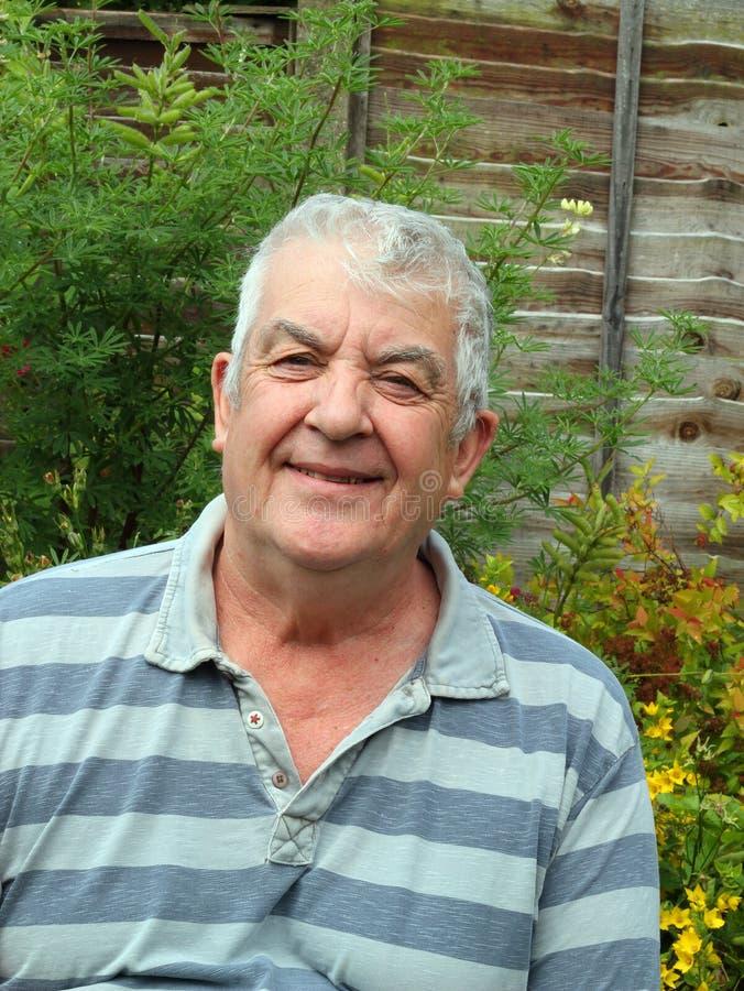 starszych osob mężczyzna portreta ja target414_0_ zdjęcie royalty free