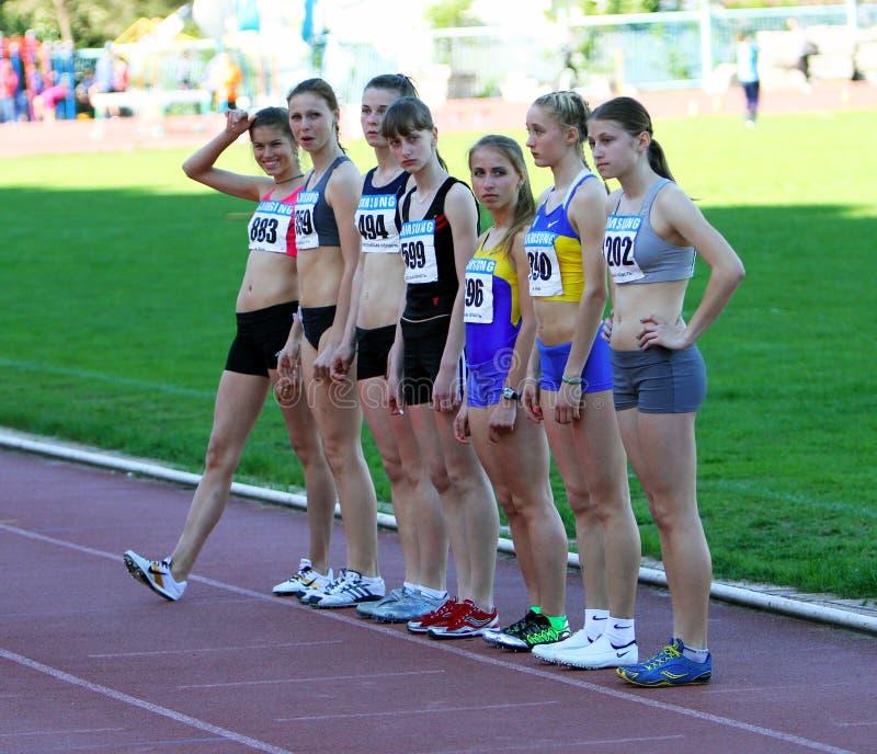 start 400 för flickaräkneverk race royaltyfria foton