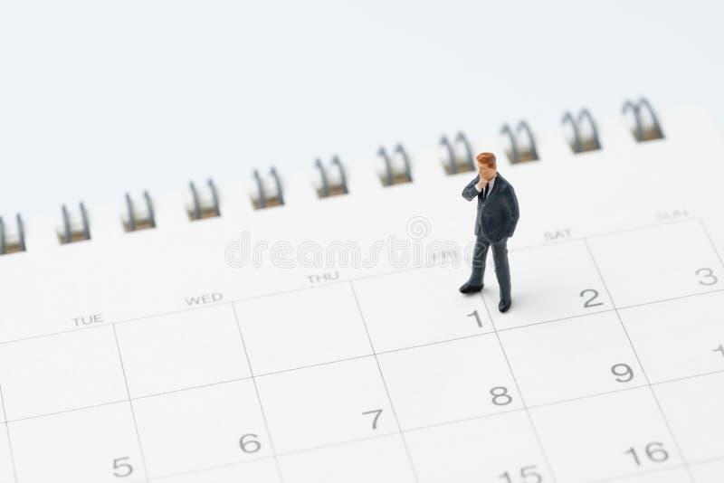 Start eller början av månaden för lönmanbegreppet, miniatyrpe royaltyfri bild