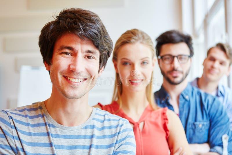 Start-up lag med studenter royaltyfria bilder