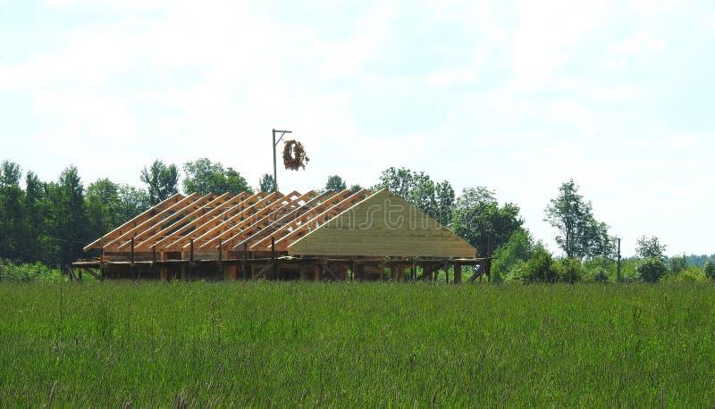 Startade att bygga hemmet, Litauen arkivbild