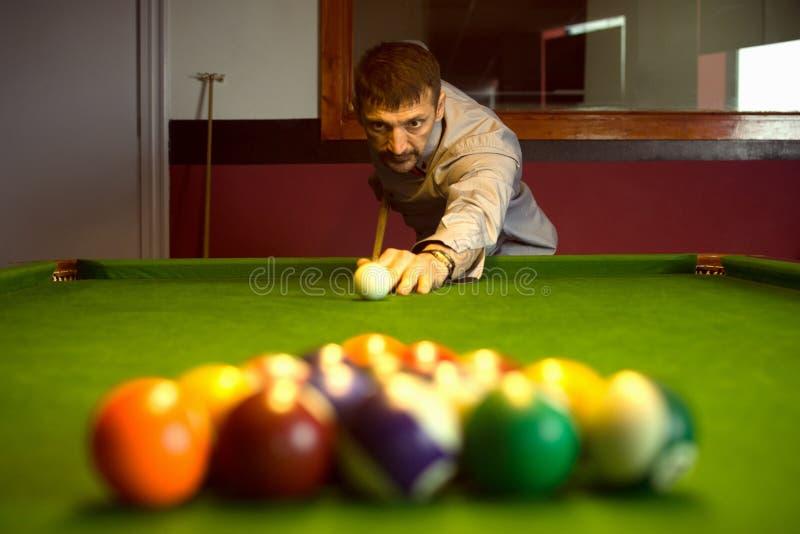 Startande billiardmatch arkivfoton