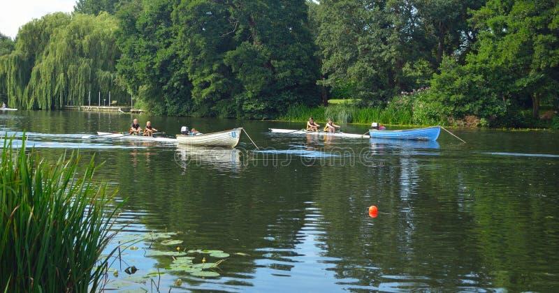 Startande positioner för regatta för St Neots på floden Ouse arkivbilder