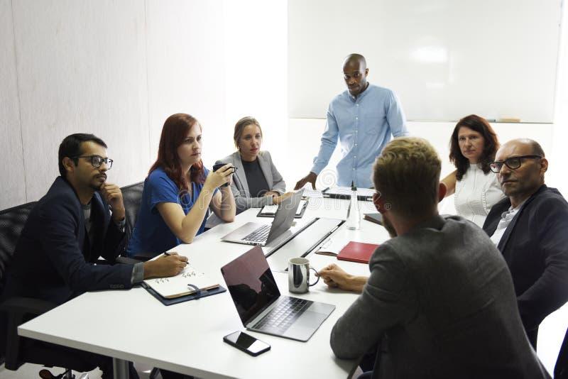 Startup affär Team Brainstorming på möteseminarium royaltyfria foton