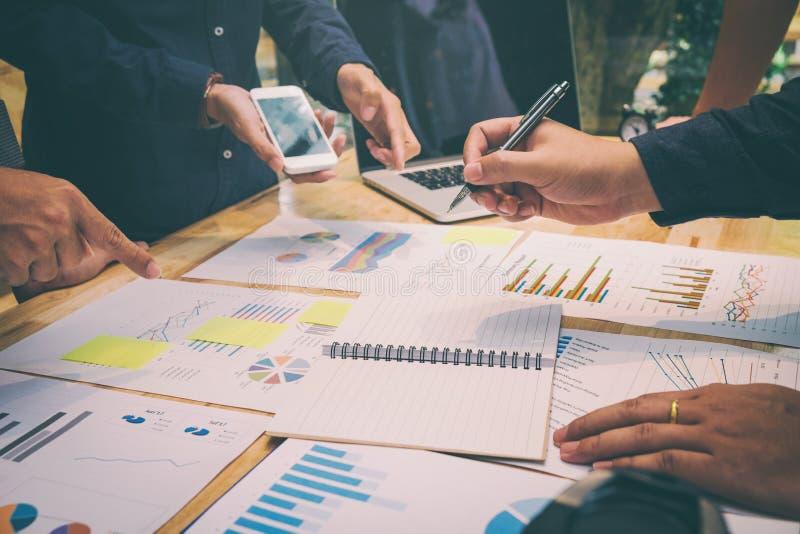 Startup affärslagkollegor som möter planläggningsstrategi Analy fotografering för bildbyråer