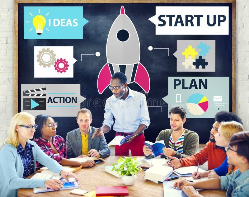 Startup innovationplanläggningsidéer Team Success Concept royaltyfri bild