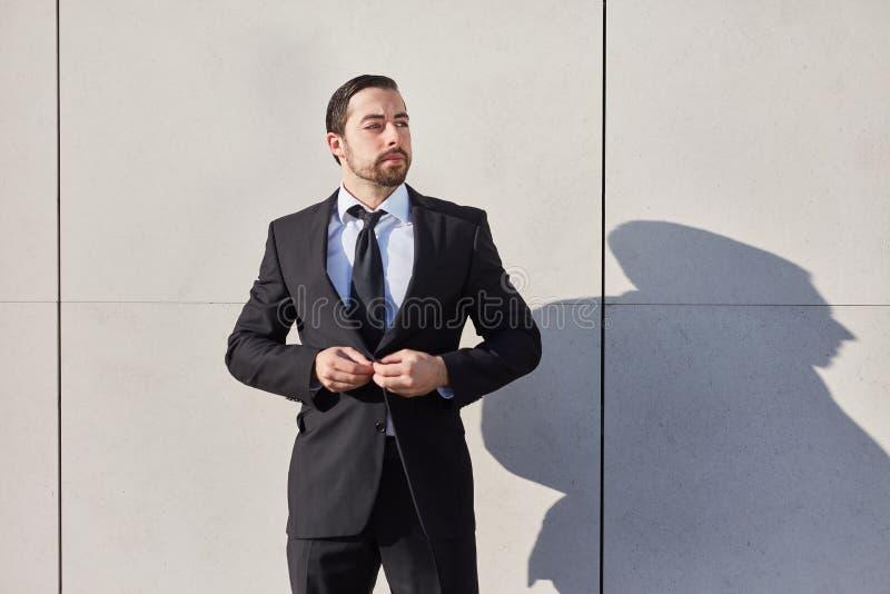 Startup man som en beslutsam entreprenör royaltyfri fotografi