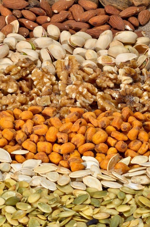 Startwerte für Zufallsgenerator und Früchte des getrockneten Getreides lizenzfreies stockbild