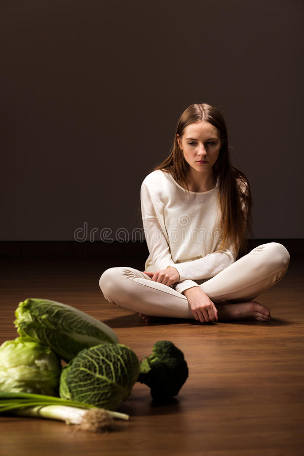Free Starving Female With Mental Problem Royalty Free Stock Images - 64128599