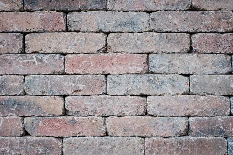 Stary ściany z cegieł zbliżenie - kafelkowy kamienny tło zdjęcia royalty free