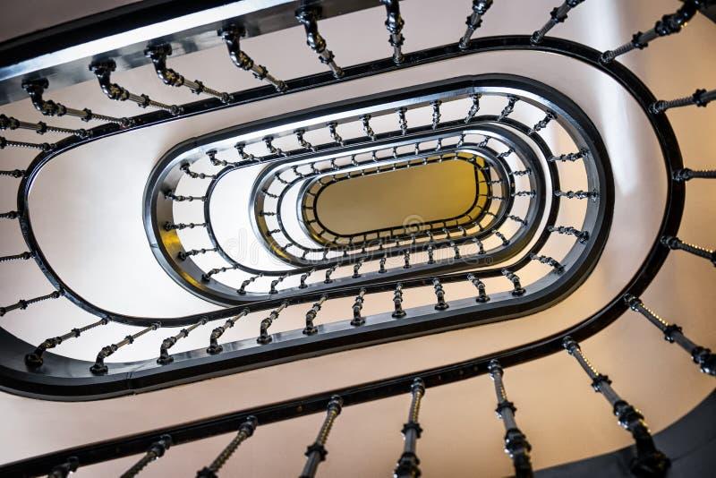 stary ślimakowaty schody fotografia royalty free