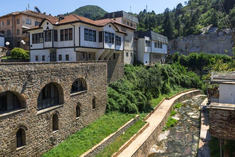 Stary Średniowieczny most przy centrum miasteczko Kratovo, republika Macedonia fotografia stock