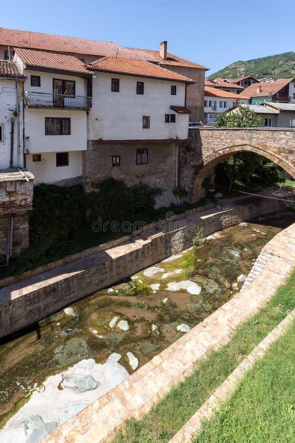 Stary Średniowieczny most przy centrum miasteczko Kratovo, republika Macedonia zdjęcia royalty free