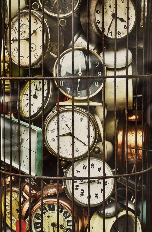 Stary antyk osiąga w żelaznej klatki kolekci zdjęcie stock