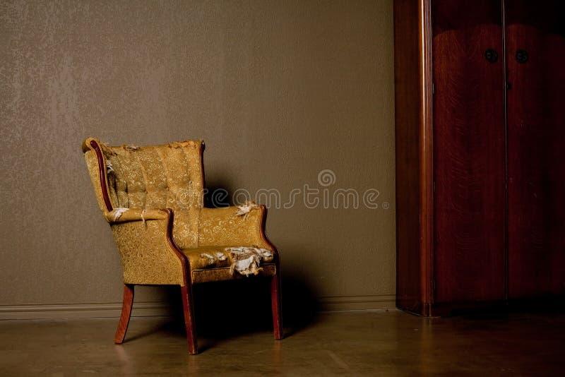 stary antykwarski krzesło zdjęcia royalty free