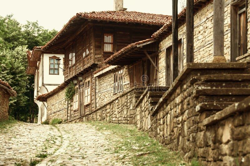 Stary autentyczny Bilgarian dom w etnograficznym kompleksie Bułgaria zdjęcie stock