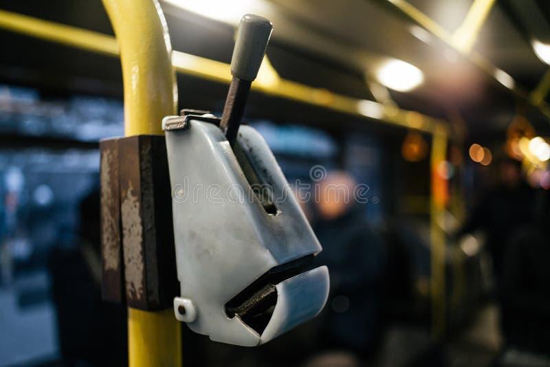 Stary autobusowy poncza validator zakończenie w górę fotografia stock