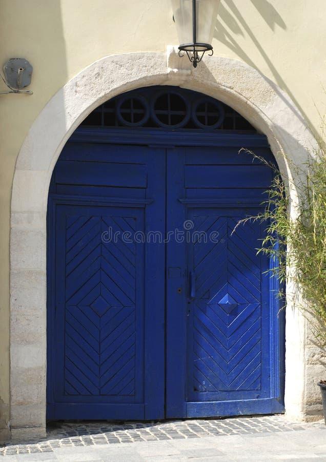 Stary, błękitny, drewniany drzwi, zdjęcie stock